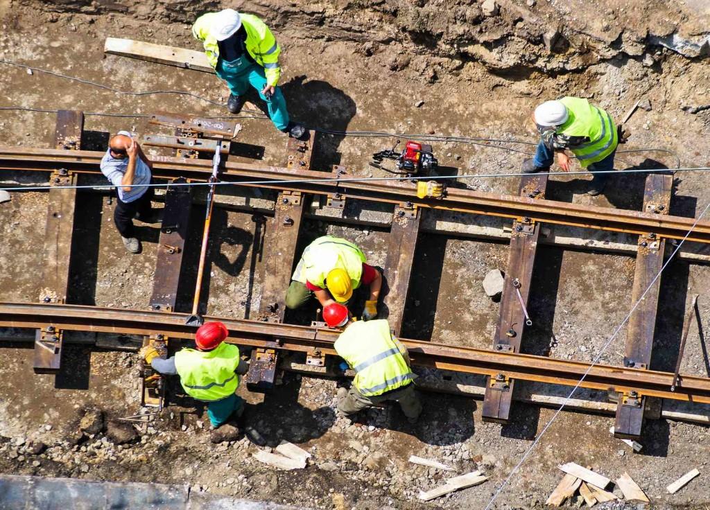 Railway replacing 22,000 ties between Barstow and Cajon Pass